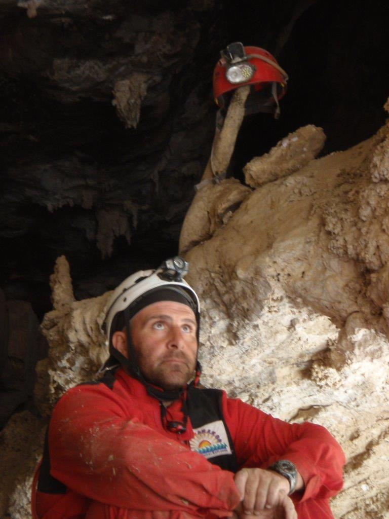 2009_Jurassic-Cave_25